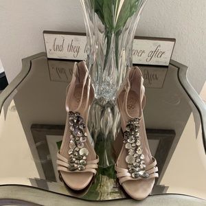 Vince Camuto size 8
